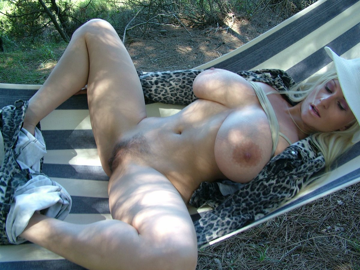 Free pictures of mature pussy