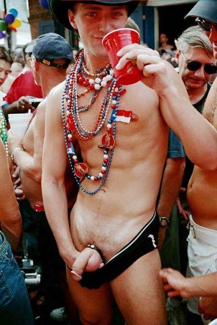 gras Nude mardi men at
