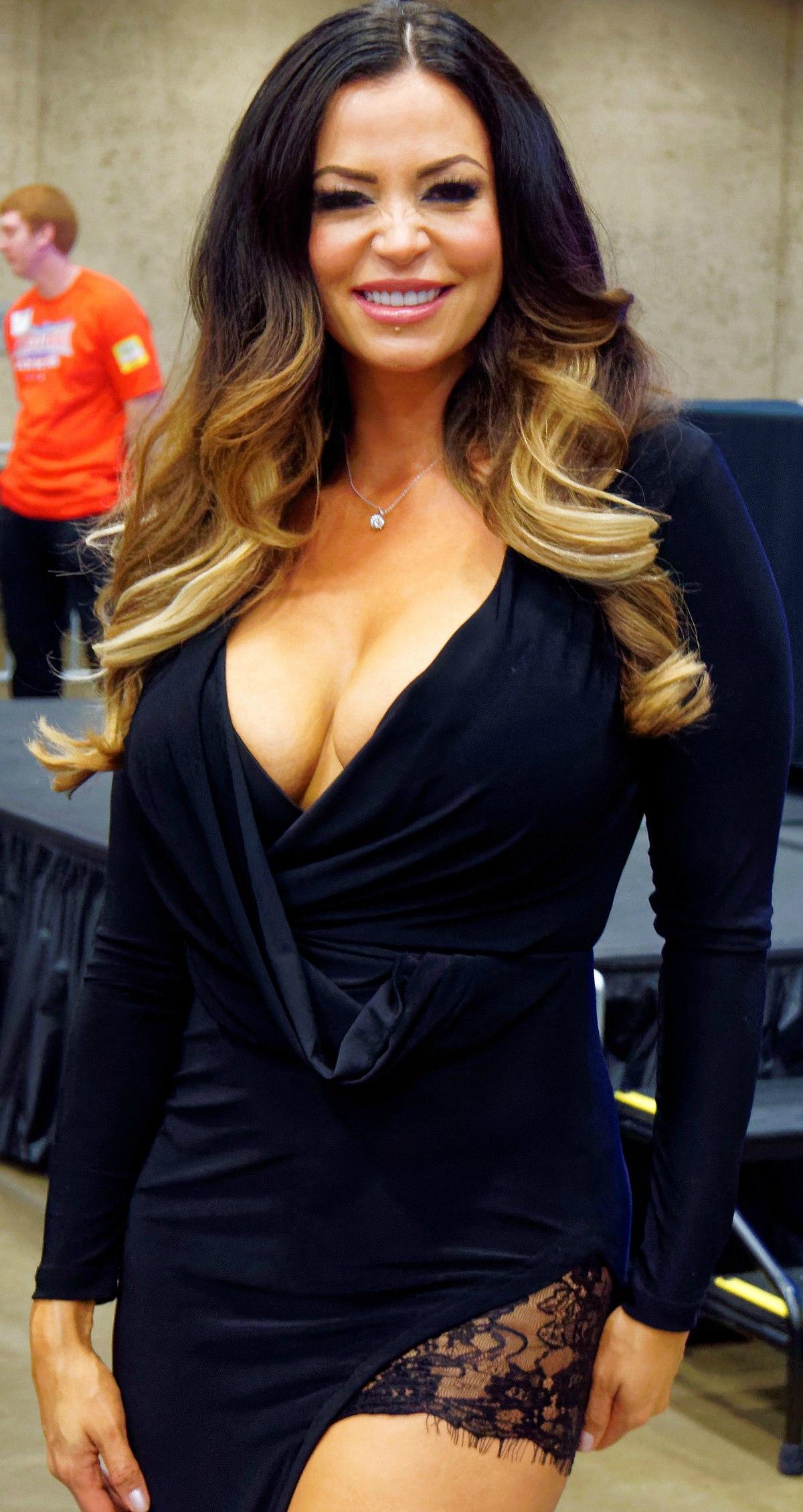 15 Reasons To Love Candice Michelle - Heyman Hustle