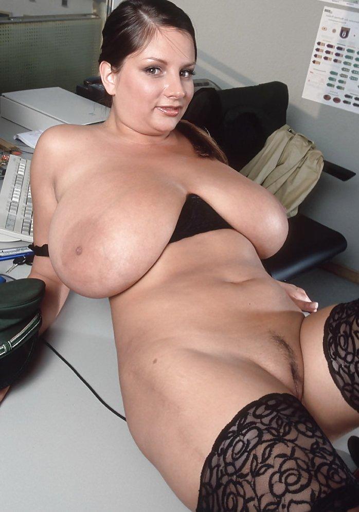 Nadine nackt