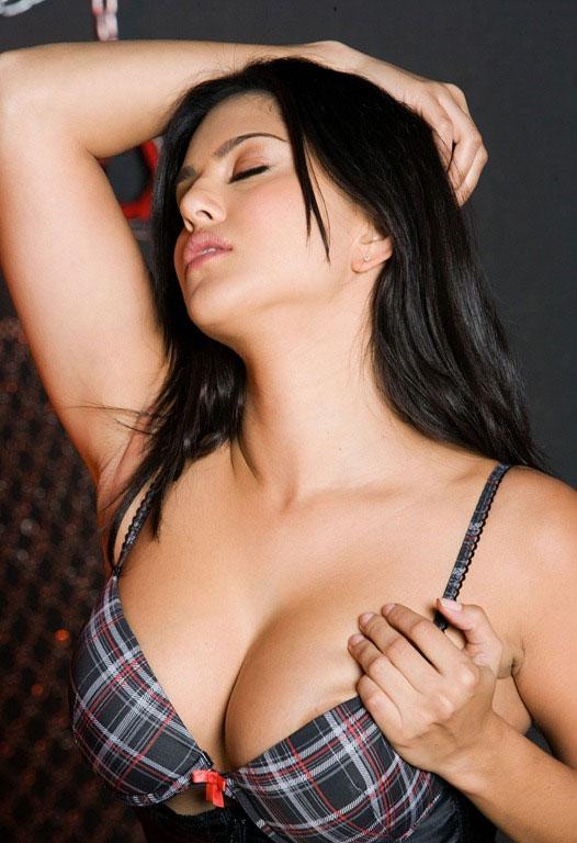 Sunny leone porn star actress