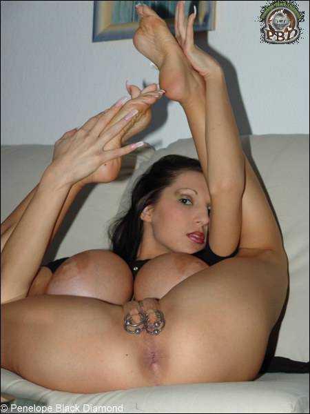 Penelope black diamond nude