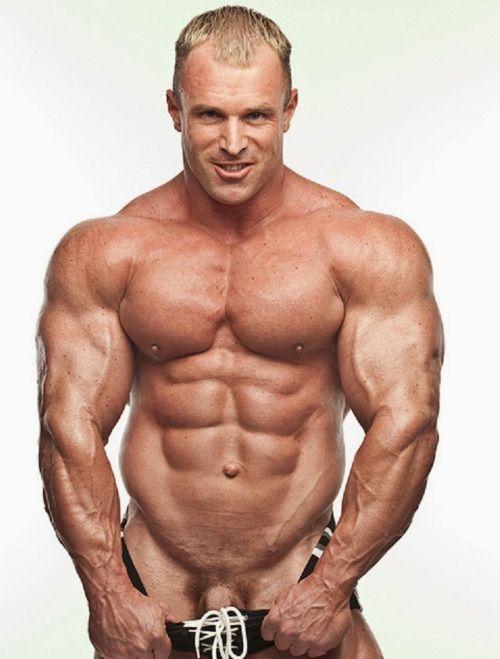 Naked male bodybuilder nude