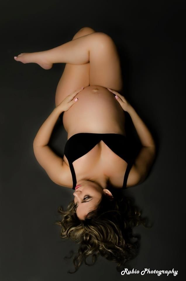 Pregnant nude boudoir photography
