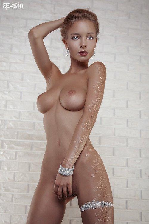 Horny nude bride