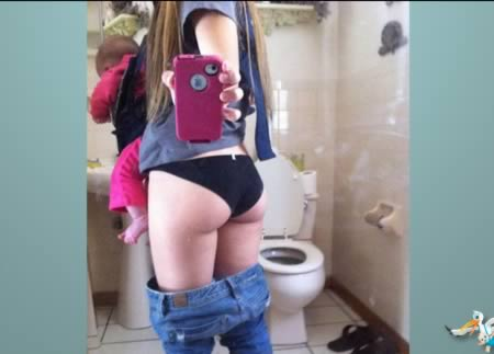face selfie no Teen bathroom