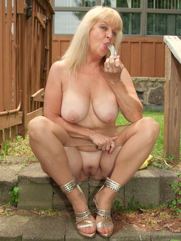 Mature mom nude outdoors