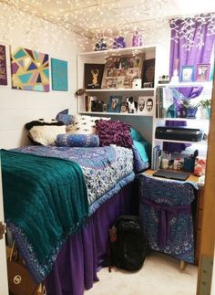 Amateur college girl dorm room