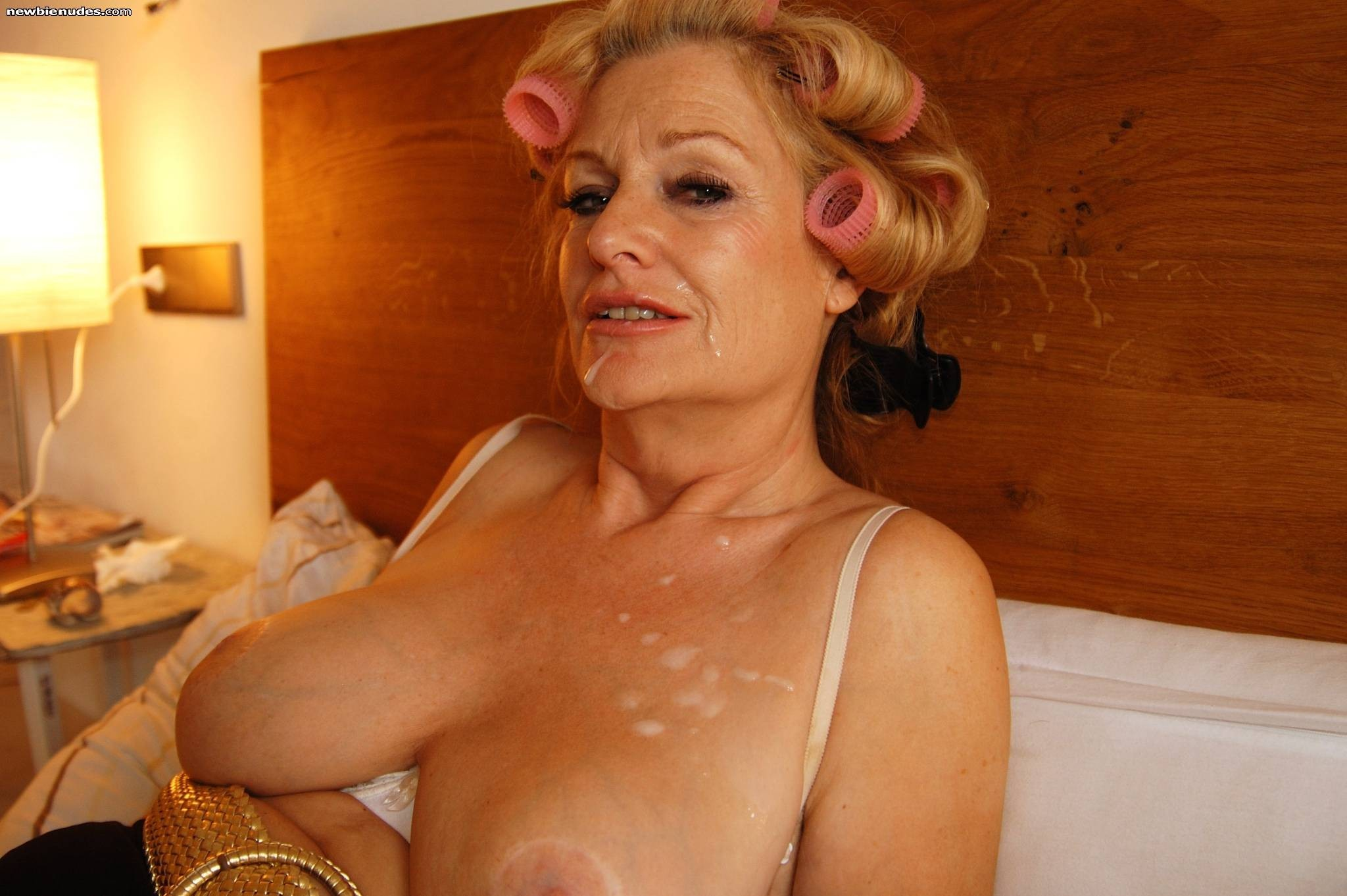 Hot mature woman porn