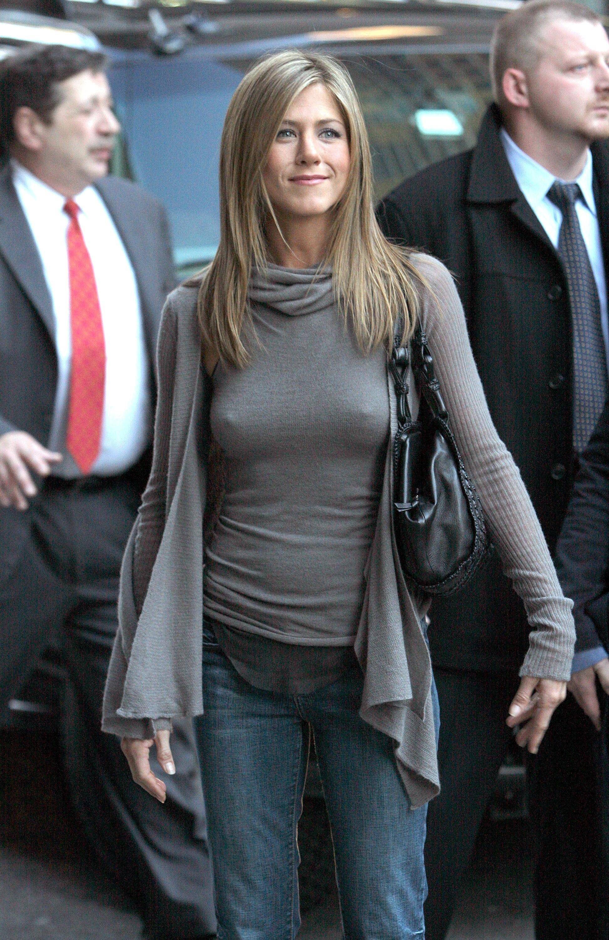 pokies Jennifer aniston