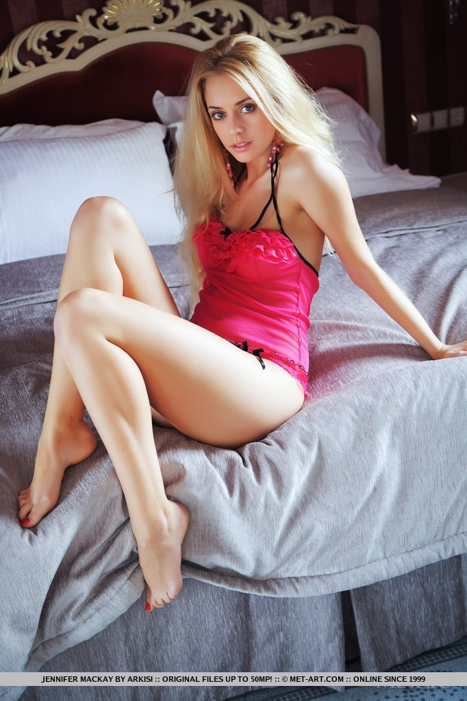 Sexy blonde posing on couch pictures porn