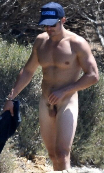 Orlando bloom naked pissing